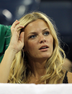 NEW YORK - SEPTEMBER 01:  Model Brooklyn Decker attends day three of the 2010 U.S. Open at the USTA Billie Jean King National Tennis Center on September 1, 2010 in the Flushing neighborhood of the Queens borough of New York City.  (Photo by Al Bello/Getty