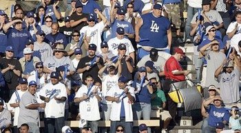 Dodger-fans-25788729_display_image