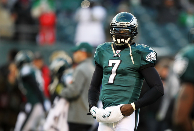 PHILADELPHIA, PA - JANUARY 09:  Michael Vick #7 of the Philadelphia Eagles walks on the field before playing against the Green Bay Packers in the 2011 NFC wild card playoff game at Lincoln Financial Field on January 9, 2011 in Philadelphia, Pennsylvania.