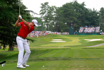 BETHESDA, MD - JUNE 19:  Henrik Stenson of Sweden hits his tee shot on the seventh hole during the final round of the 111th U.S. Open at Congressional Country Club on June 19, 2011 in Bethesda, Maryland.  (Photo by Chris Trotman/Getty Images)