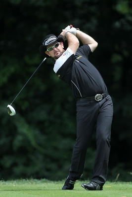 BETHESDA, MD - JUNE 17:  Rory Sabbatini of South Africa watches his tee shot on the 14th hole during the second round of the 111th U.S. Open at Congressional Country Club on June 17, 2011 in Bethesda, Maryland.  (Photo by Jamie Squire/Getty Images)