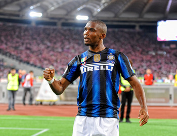 ROME, ITALY - MAY 29:  Samuel Eto'o of Inter Milan celebrates scoring the second goal during the Tim Cup final between FC Internazionale Milano and US Citta di Palermo at Olimpico Stadium on May 29, 2011 in Rome, Italy.  (Photo by Claudio Villa/Getty Imag