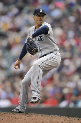 MINNEAPOLIS, MN - MAY 25: Brandon League #43 of the Seattle Mariners pitches against the Minnesota Twins during the ninth inning of their game on May 25, 2011 at Target Field in Minneapolis, Minnesota. Mariners defeated the Twins 3-0. (Photo by Hannah Fos