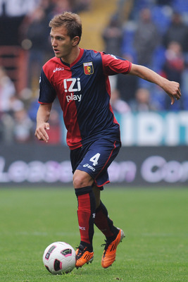 GENOA, ITALY - APRIL 23:  Domenico Criscito of Genoa CFC in action during the Serie A match between Genoa CFC and Lecce at Stadio Luigi Ferraris on April 23, 2011 in Genoa, Italy.  (Photo by Valerio Pennicino/Getty Images)