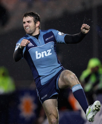 AUCKLAND, NEW ZEALAND - JUNE 17:  Jared Payne of the Blues celebrates his try during the round 18 Super Rugby match between the Blues and the Highlanders at Eden Park on June 17, 2011 in Auckland, New Zealand.  (Photo by Phil Walter/Getty Images)
