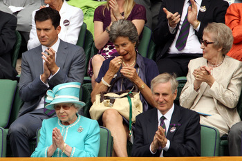 LONDON, ENGLAND - JUNE 24:  Tim Henman (top), and Queen Elizabeth II applaud as Andy Murray of Great Britain beats Jarkko Nieminen of Finland on Day Four of the Wimbledon Lawn Tennis Championships at the All England Lawn Tennis and Croquet Club on June 24