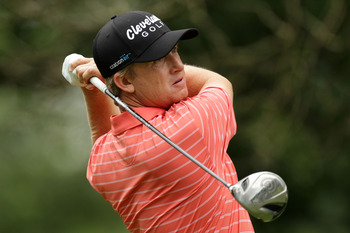 BETHESDA, MD - JUNE 17:  David Toms watches his tee shot on the fourth hole during the second round of the 111th U.S. Open at Congressional Country Club on June 17, 2011 in Bethesda, Maryland.  (Photo by Ross Kinnaird/Getty Images)