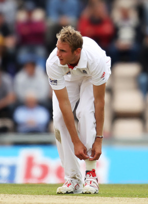 SOUTHAMPTON, ENGLAND - JUNE 20: Stuart Broad of England adjusts his trousers during day five of the 3rd npower Test Match between England and Sri Lanka at the Rose Bowl on June 20, 2011 in Southampton, England.  (Photo by Bryn Lennon/Getty Images)