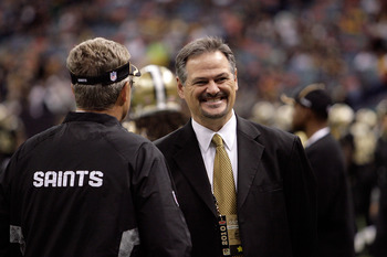 NEW ORLEANS, LA - OCTOBER 31: General manager Mickey Loomis of the New Orleans Saints talks to a coach prior to the game against the Pittsburgh Steelers at the Louisiana Superdome on October 31, 2010 in New Orleans, Louisiana. (Photo by Matthew Sharpe/Get