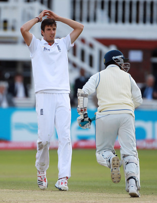 LONDON, ENGLAND - JUNE 07:  Steven Finn of England is frustrated by Prasanna Jayawardene of Sri Lanka during day five of the 2nd npower Test Match between England and Sri Lanka at Lord's Cricket Ground on June 7, 2011 in London, England.  (Photo by Tom Sh