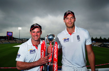 SOUTHAMPTON, ENGLAND - JUNE 20:  England Captain Andrew Strauss (l) and man of the match and series Chris Tremlett hold the series trophy after day five of the 3rd npower test between England and Sri Lanka at the Rosebowl on June 20, 2011 in Southampton,