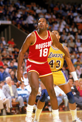 INGLEWOOD -1987:  Cedric Maxwell #18 of the Houston Rockets looks for the rebound during a game in the1987-88 season against the Los Angeles Lakers at the Forum in Inglewood, Califronia. NOTE TO USER: User expressly acknowledges and agrees that, by downlo