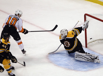 BOSTON, MA - MAY 06: Kris Versteeg #10 of the Philadelphia Flyers scores at 13:22 of the second period against Tim Thomas #30 of the Boston Bruins  in Game Four of the Eastern Conference Semifinals during the 2011 NHL Stanley Cup Playoffs at TD Garden on