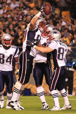 PITTSBURGH - NOVEMBER 14:  Rob Gronkowski #87 of the New England Patriots celebrates scoring a touchdown with Sammy Morris #34 and Wes Welker #83 against the Pittsburgh Steelers on November 14, 2010 at Heinz Field in Pittsburgh, Pennsylvania.  (Photo by C
