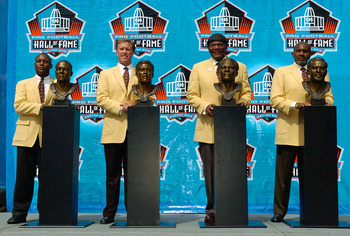 CANTON, OH - AUGUST 8:  (L-R)  Pro Football Hall of Fame enshrinees Barry Sanders of the Detroit Lions, John Elway of the Denver Broncos, Carl Eller of the Minnesota Vikings and Seattle Seahawks, and Bob Brown of the Philadelphia Eagles, Los Angeles Rams,