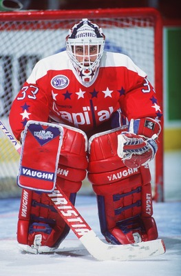 1993-94:  WASHINGTON GOALKEEPER DON BEAUPRE IN GOAL DURING THE CAPITALS GAME VERSUS THE MONTREAL CANADIENS AT THE FORUM IN MONTREAL, CANADA. Mandatory Credit: Robert Laberge/ALLSPORT