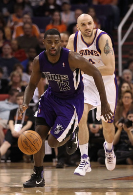 PHOENIX, AZ - FEBRUARY 13:  Tyreke Evans #13 of the Sacramento Kings handles the ball during the NBA game against the Phoenix Suns at US Airways Center on February 13, 2011 in Phoenix, Arizona.  NOTE TO USER: User expressly acknowledges and agrees that, b