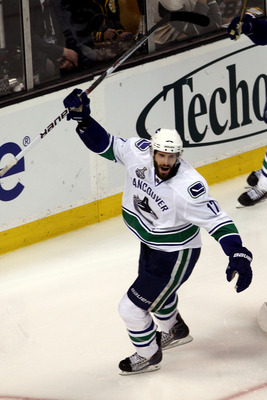 BOSTON, MA - JUNE 13:  Ryan Kesler #17 of the Vancouver Canucks celebrates against the Boston Bruins during Game Six of the 2011 NHL Stanley Cup Final at TD Garden on June 13, 2011 in Boston, Massachusetts.  (Photo by Bruce Bennett/Getty Images)