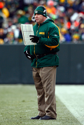 GREEN BAY, WI - DECEMBER 07:  Green Bay Packers head coach Mike McCarthy calls a play during the first half against the Houston Texans at Lambeau Field on December 7, 2008 in Green Bay, Wisconsin. The Texans defeated the Packers 24-21.  (Photo by Jeff Gro