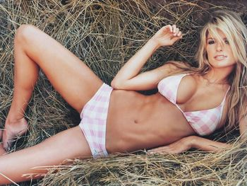 Man-cave-meet-marisa-miller-13_display_image
