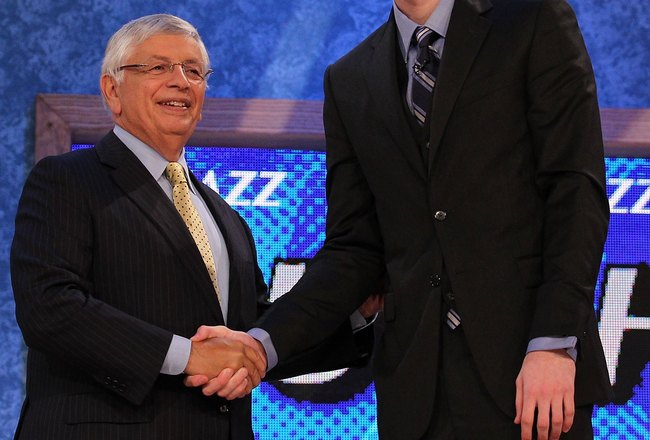 NEW YORK - JUNE 24:  Gordon Hayward stands with NBA Commisioner David Stern after being drafted ninth by  The Utah Jazz at Madison Square Garden on June 24, 2010 in New York, New York.  (Photo by Al Bello/Getty Images)