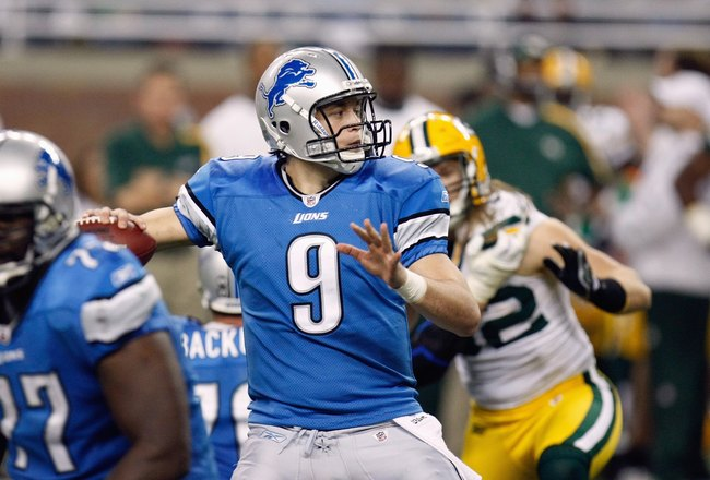 DETROIT , MI - NOVEMBER 26:  Quarterback Matthew Stafford #9 of the Detroit Lions looks to pass the ball during the game against the Green Bay Packers on November 26, 2009 at Ford Field in Detroit, Michigan. Green Bay won the game 34-12. (Photo by Gregory