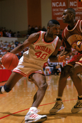 BLOOMINGTON, ID - JANUARY 27:  Calbert Cheaney #40 of the Indiana University Hoosiers drives to the basket during an NCAA game against the University of Minnesota Golden Gophers on January 27, 1992 in Bloomington, Indiana.  (Photo by Gary Mook/Getty Image