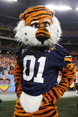 GLENDALE, AZ - JANUARY 10:  Aubie, the Auburn Tigers mascot performs at their game against the Oregon Ducks during the Tostitos BCS National Championship Game at University of Phoenix Stadium on January 10, 2011 in Glendale, Arizona.  (Photo by Christian