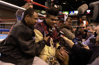 LAS VEGAS, UNITED STATES - NOVEMBER 08:  David Tua faces the media following a light workout in the fight ring at the Mandalay Bay Casino in Las Vegas where he is scheduled to fight Lennox Lewis for the World Heavy Weight crown on November 11 (USA time).