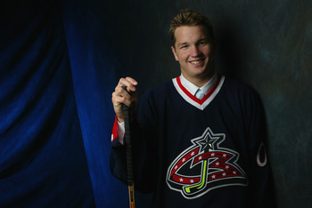 TORONTO - JUNE 22:  Number one overall draft pick by the Columbus Blue Jackets,  Rick Nash, poses for a portrait during the NHL Entry Draft on June 22, 2002 at the Air Canada Centre in Toronto, Canada. (Photo by Robert Laberge/Getty Images/NHLI)