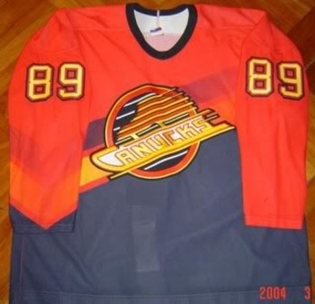 Vancanucks_mogilny_3rd-alt_front_display_image