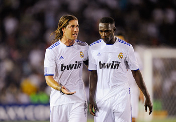 PASADENA, CA - AUGUST 07:  Sergio Ramos (L) and Mahamadou Diarra of Real Madrid during the pre-season friendly soccer match against Los Angeles Galaxy on August 7, 2010 at the Rose Bowl in Pasadena, California. Real Madrid will travel back to Spain after