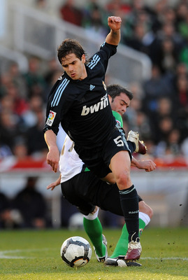 SANTANDER, SPAIN - APRIL 04: Fernando Gago of Real Madrid a Racing Santander player during the La Liga match between Racing Santander and Real Madrid at El Sardinero stadium on April 4, 2010 in Santander, Spain.  (Photo by Denis Doyle/Getty Images)