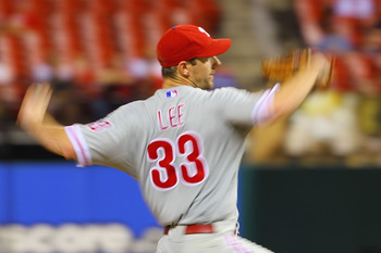 ST. LOUIS, MO - JUNE 22: Starter Cliff Lee #33 of the Philadelphia Phillies pitches against the St. Louis Cardinals at Busch Stadium on June 22, 2011 in St. Louis, Missouri.  (Photo by Dilip Vishwanat/Getty Images)