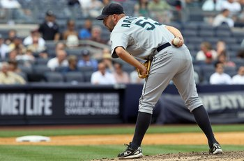 NEW YORK - JULY 01:  David Aardsma #53 of the Seattle Mariners delivers a pitch against the New York Yankees on July 1, 2010 at Yankee Stadium in the Bronx borough of New York City.  (Photo by Jim McIsaac/Getty Images)