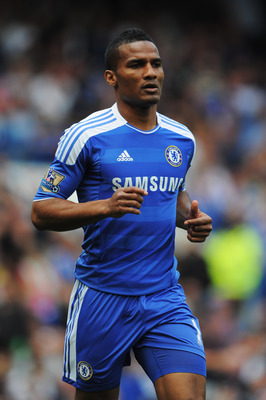 LONDON, ENGLAND - MAY 15:  Florent Malouda of Chelsea in action during the Barclays Premier League match between Chelsea and Newcastle United at Stamford Bridge on May 15, 2011 in London, England.  (Photo by Michael Regan/Getty Images)