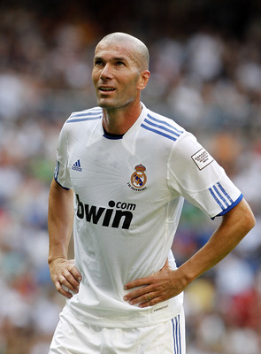 MADRID, SPAIN - JUNE 05:  Zinedine Zidane of Real Madrid looks on during the Corazon Classic Match between Allstars Real Madrid and Allstars Bayern Muenchen at Estadio Santiago Bernabeu on June 5, 2011 in Madrid, Spain.  (Photo by Angel Martinez/Getty Ima