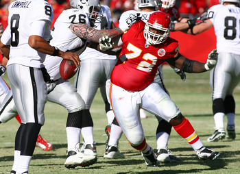 KANSAS CITY, MO - JANUARY 02:  Defensive tackle Glenn Dorsey #72 of the Kansas City Chiefs rushes the quarterback in a game against the Oakland Raiders at Arrowhead Stadium on January 2, 2011 in Kansas City, Missouri.  (Photo by Tim Umphrey/Getty Images)