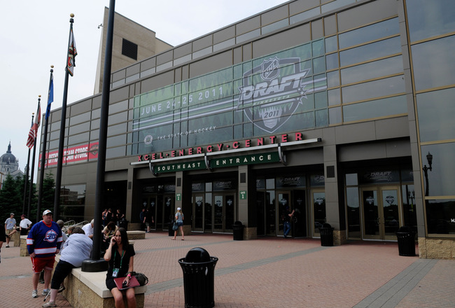 ST PAUL, MN - JUNE 24:  A general view of the exterior of the Xcel Energy Center before the start of round one during day one of the 2011 NHL Entry Draft on June 24, 2011 in St Paul, Minnesota.  (Photo by Hannah Foslien/Getty Images)