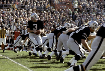 Nfl-raiders-super_bowl_ii_lamonica-daryle-3-black-1968-stockpic1_display_image