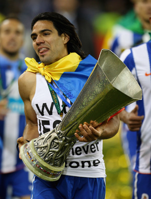 DUBLIN, IRELAND - MAY 18:  Radamel Falcao Garcia of FC Portowith the trophy during the UEFA Europa League Final between FC Porto and SC Braga at Dublin Arena on May 18, 2011 in Dublin, Ireland.  (Photo by Alex Livesey/Getty Images)