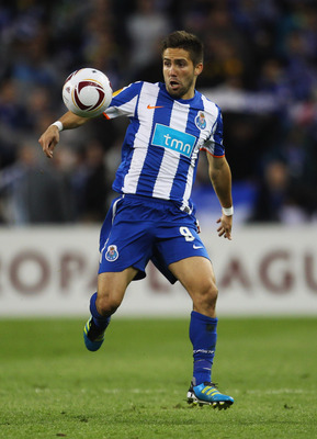 DUBLIN, IRELAND - MAY 18:  Joao Moutinho of FC Porto in action during the UEFA Europa League Final between FC Porto and SC Braga at Dublin Arena on May 18, 2011 in Dublin, Ireland.  (Photo by Alex Livesey/Getty Images)
