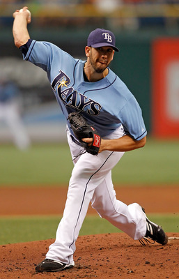 ST PETERSBURG, FL - AUGUST 01:  Pitcher James Shields #33 of the Tampa Bay Rays pitches against the New York Yankees during the game at Tropicana Field on August 1, 2010 in St. Petersburg, Florida.  (Photo by J. Meric/Getty Images)