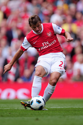LONDON, ENGLAND - SEPTEMBER 11:  Andrei Arshavin of Arsenal in action during the Barclays Premier League match between Arsenal and Bolton Wanderers at The Emirates Stadium on September 11, 2010 in London, England.  (Photo by Jamie McDonald/Getty Images)