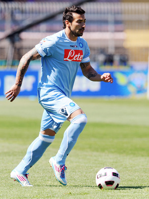 LECCE, ITALY - MAY 08:  Ezequiel Lavezzi of Napoli in action during the Serie A match between Lecce and SSC Napoli at Stadio Via del Mare on May 8, 2011 in Lecce, Italy.  (Photo by Giuseppe Bellini/Getty Images)