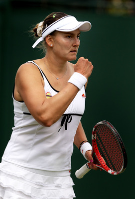 Nadia Petrova defeated Kateryna Bondarenko in the 3rd Round of Wimbledon 2011.