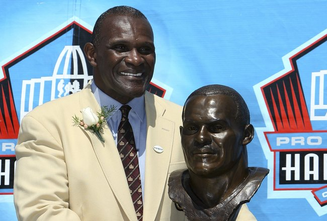 CANTON, OH - AUGUST 05:  Linebacker Harry Carson of the New York Giants poses with his bust after his induction during the Class of 2006 Pro Football Hall of Fame Enshrinement Ceremony at Fawcett Stadium on August 5, 2006 in Canton, Ohio.  (Photo by Doug