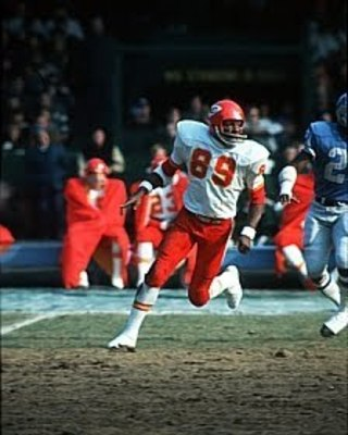 Taylor_otis4_chiefs_display_image