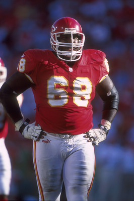 17 Sep 2000:  #68 Will Shields of the Kansas City Chiefs looks on during the Chargers v Chiefs game in which the Chiefs defeated the Chargers 42-10 at Arrowhead Stadium in Kansas City, Missouri. Mandatory Credit: Brian Bahr/ALLSPORT