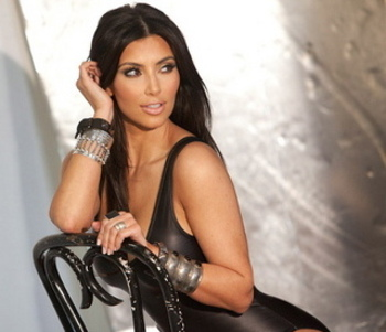 Gallery_main-kim-kardashian-chair-slickforce_display_image
